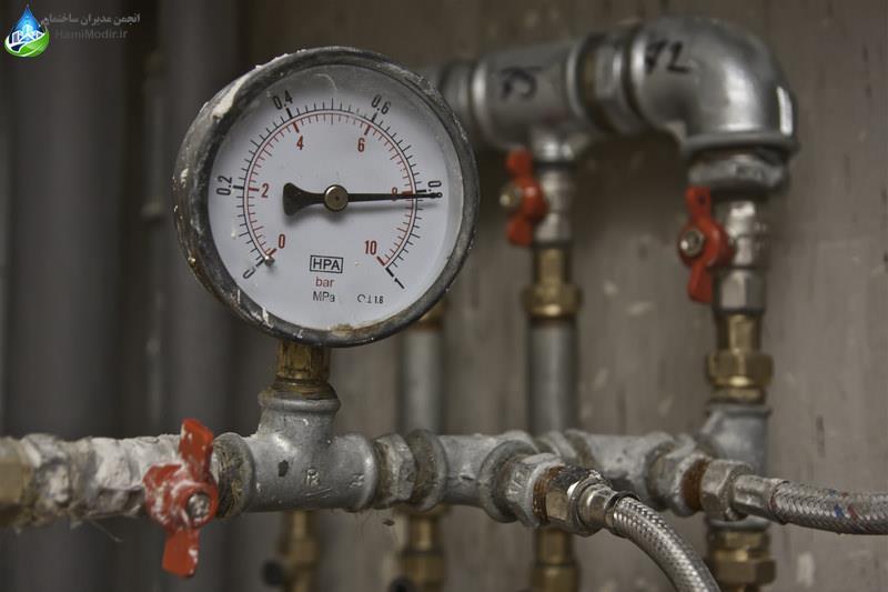 اندازه گیری فشار آب پمپ آب خانگی خرید پمپ آب  چگونه پمپ آب انتخاب کنیم مدیر ساختمان
